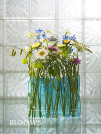 pretty spring flair of fresh & entertaining medley of flowers